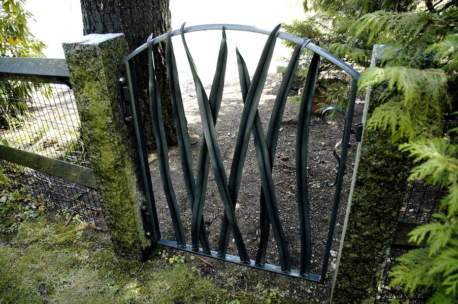 Long Leaf Garden Gate